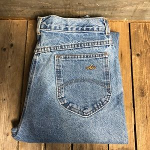 Sexy Vintage Chic High Waisted Light Wash Jeans